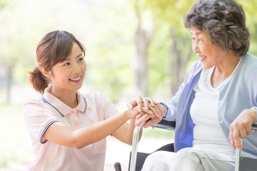 【静岡県の行政書士】在留資格「介護」の要件をビザ申請のプロが解説します!